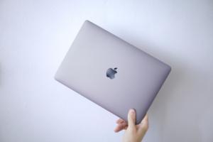 【2021年】M1 MacBook Airと一緒に買うもの【3つだけ】